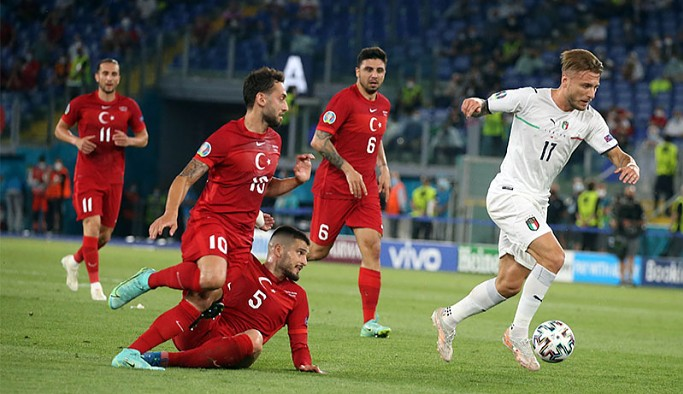Türkiye, EURO 2020'nin açılış maçında İtalya'ya 3-0 kaybetti