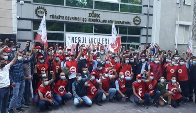 Yüzlerce BEDAŞ işçisi DİSK'e geçti: Artık yumruk olma zamanı