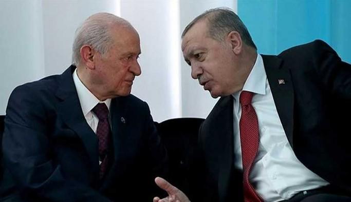 AKP'nin yeni anayasa çalışmasının ayrıntıları belli oldu: MHP'ye yeşil ışık