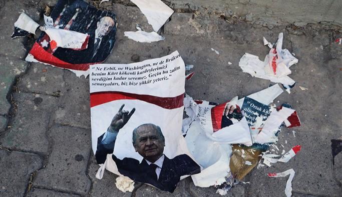Bahçeli'nin afişleri Diyarbakır'dan sonra Batman'da da söküldü