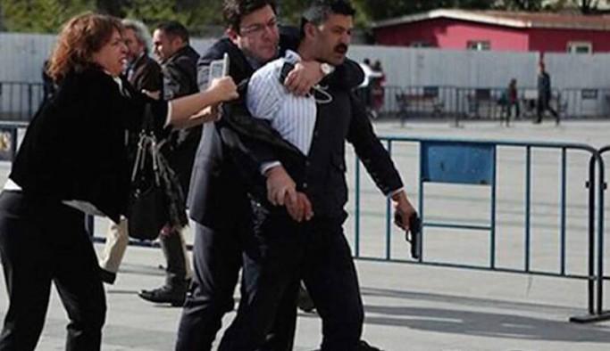 Can Dündar'a silahlı saldırı davasında 'iyi hal' indirimi: Sanık cezaevine girmeyecek