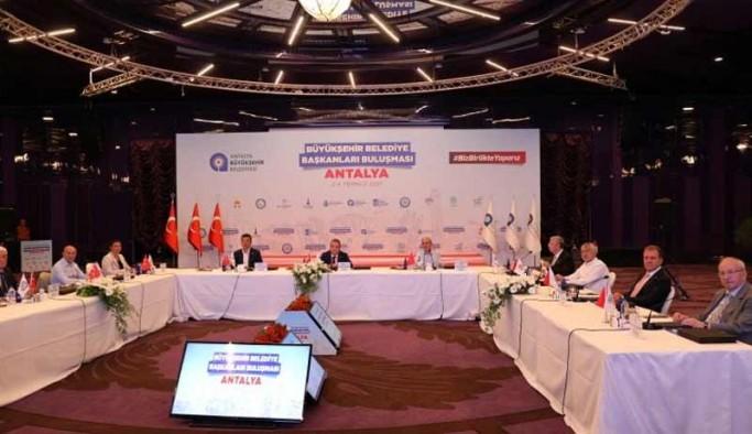 CHP'li belediye başkanları bir araya geldi