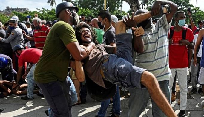 Küba'daki hükümet karşıtı eylemlerden sonra onlarca kişi gözaltına alındı