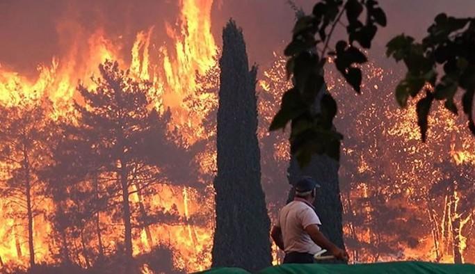 Manavgat yanıyor: 1 ölü, çok sayıda kişi de mahsur