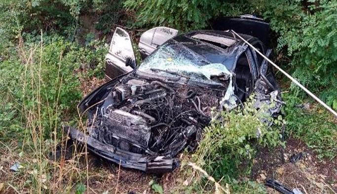 Memurları taşıyan servis ile otomobil çarpıştı: 21 yaralı
