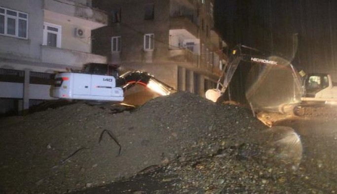 Rize'de heyelan felaketi: 3 kişi kayıp