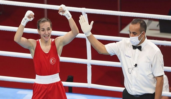 Buse Naz Çakıroğlu olimpiyatlarda finale kaldı: Altın madalya için mücadele edecek