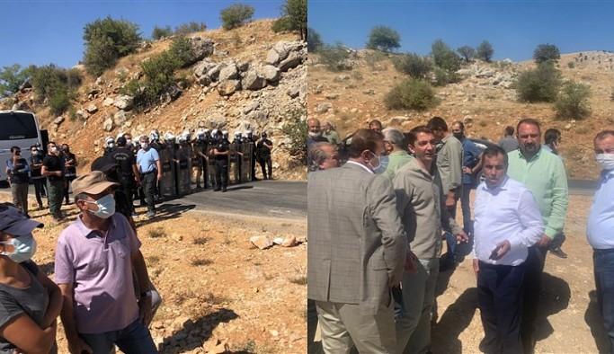 Dersim'de orman yangınını söndürmek isteyen vekillere ve Fatih Maçoğlu'na polis engeli