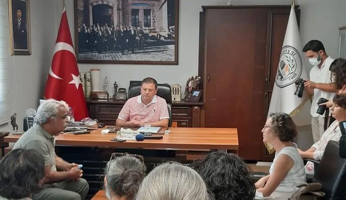 HDP Eş Genel Başkanı Sancar, yangından etkilenen Milas Belediyesi'ni ziyaret etti