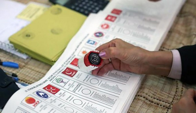 Anket: Dar gelirlilerde oyunu en çok artıranlar HDP ve MHP