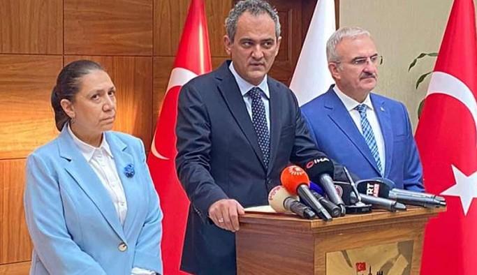 Bakan Özer: Diyarbakır'da 21 sınıfta yüz yüze eğitime ara verildi