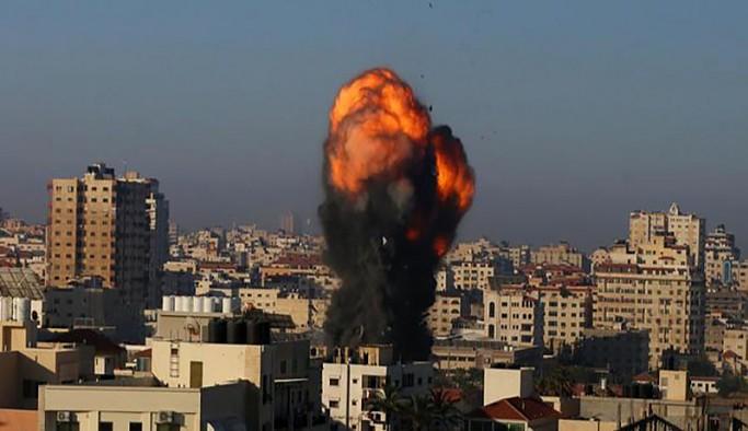 İsrail uçakları Gazze'ye hava saldırısı düzenledi