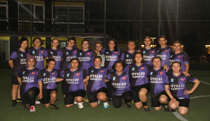 Kadın cinayetlerine ve şiddete dikkat çekmek için futbol takımı kurdular