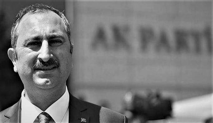'Katliamın görüntüleri başsavcıda, Adalet Bakanı neden sessiz kalıyor?'