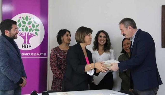 MED-DER'den mezun olan HDP'lilere Kürtçe dil sertifikaları verildi