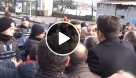 Karanfil Bırakmak İsteyen CHP'lilere Polis Saldırdı