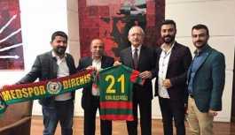 Amedspor taraftar grubu'ndan  Kılıçdaroğlu ve HDP'ye ziyaret