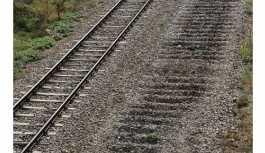 Tren rayları oksijen kaynağıyla kesilerek çalındı.