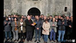 HDP'den kayyum atanan Belediye önünde protesto