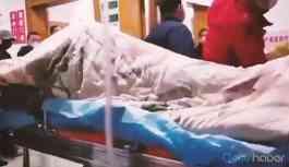 Video | Corona virüsü bulaşan hastanın kriz anı! İşte dehşet veren görüntü!