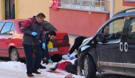 Kadın sokakta bıçaklanarak öldürüldü...