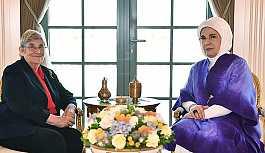Emine Erdoğan, Cumhurbaşkanlığı Külliyesi'nde Canan Karatay'ı kabul etti