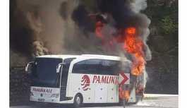 Yolcu otobüsü sefer sırasında yandı: Kullanılamaz hale geldi