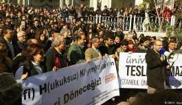Barış imzacısı akademisyenlere hapis baskısı