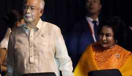 Malezya'da eski Başbakan Rezak'a yurt dışına çıkış yasağı