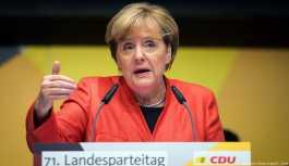 Solingen anmasına Merkel de katılacak