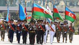 Azerbaycan ordusunun 100. yılı kutlanıyor
