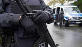 Berlin'de bir katedralde polis ateş açtı: 2 yaralı
