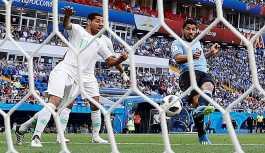 Dünya Kupası'nda Rusya gibi Uruguay da gruptan çıktı