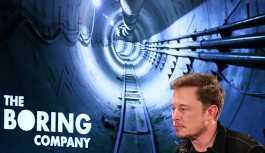 Elon Musk 'Ateşleyin' dedi, alev makineleri kapışıldı