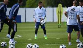 'İranlı Messi'ye Moskova'da taraftarlardan yoğun ilgi