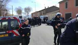Paris'te rehine krizi, polis operasyon başlattı