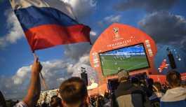 Rus taraftarlar Dünya Kupası'nda milli takıma destek için 'bıyık bırakıyor'