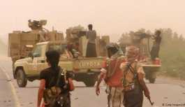 Suudi koalisyonu Yemen'de Hudeyde için savaşıyor