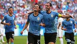 Uruguay 90. dakikada gelen golle Rusya'yı...