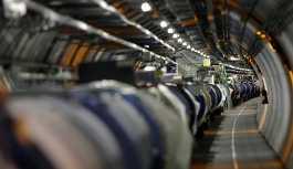 Atomlar elektronlarıyla birlikte ışık hızına yaklaştı
