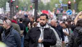 Macron'un güvenlik danışmanı 1 Mayıs eylemcilerine şiddet uygularken görüntülendi