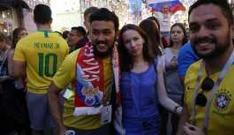 Putin: Dünya Kupası'nda Rusya sokakları dostluk sembolü haline geldi