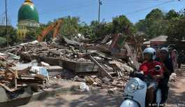 Endonezya depreminde ölü sayısı 220'yi aştı