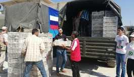 İdlib'den ayrılan Suriyelilere Rusya'dan 5 ton insani yardım