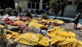 Endonezya'da deprem ve tsunami: Hayatını kaybedenlerin sayısı 1203'e yükseldi