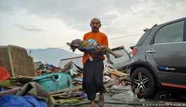 Endonezya'da deprem ve tsunami: 384 ölü