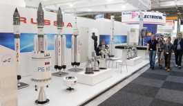 Roscosmos: Musk'ın tekrar kullanılabilir roketi Sovyet teknolojilerine dayanıyor