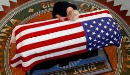 Trump, McCain'in cenazesine katılmıyor