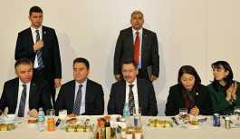Ahmet Hakan: Düşünsenize Gökçek MHP'den, Babacan CHP'den aday oluyormuş