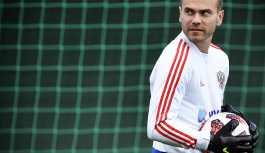 Akinfeyev, 111 kez giydiği Rus milli takımı formasına veda etti